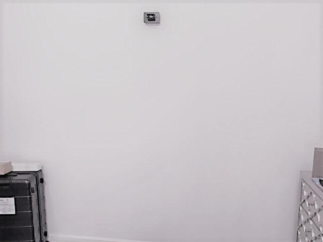 店舗壁に設置したアンティークミラー-設置前