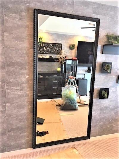 寝室の姿見に バロック調ミラーシリーズ「D-20179」を使用した事例 (東京都渋谷区 Y様)