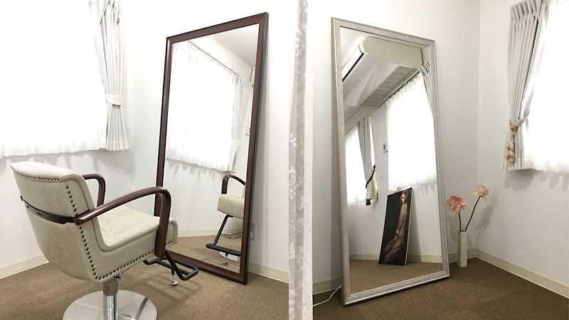 写真スタジオのヘアメイク鏡に使用したアンティークミラー