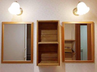 洗面所の鏡に「アンティークミラー(06-D777WD)」を設置した事例 (S様)