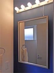 洗面所に使用したアンティークミラー(03-UH2015S)