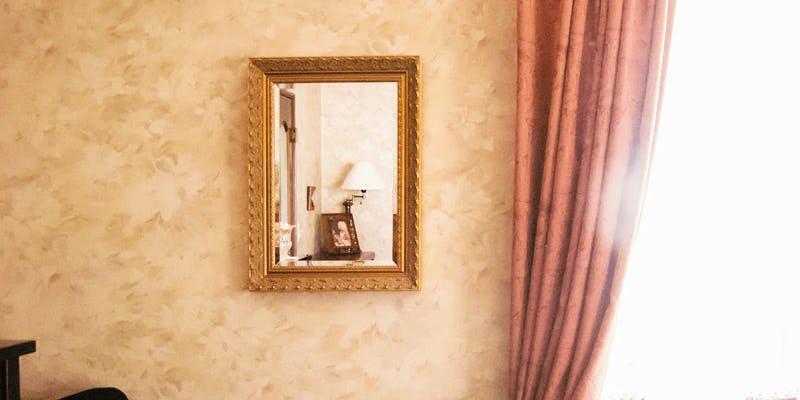 装飾鏡に「バロック調ミラーシリーズ G-20051」を使用した事例