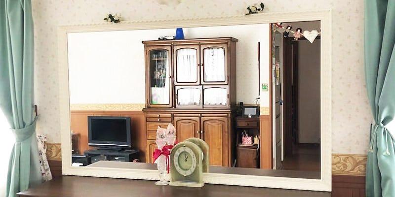 リビング姿見に「バロック調ミラーシリーズ D-20180」を使用した事例 (埼玉県蓮田市 Y様)